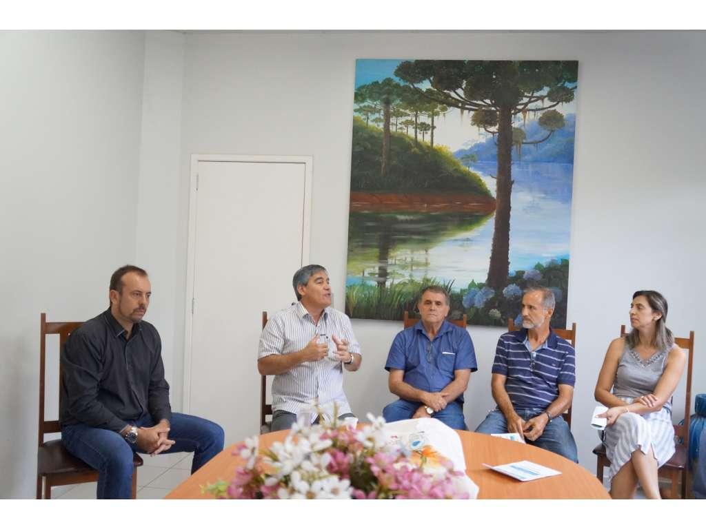Recepção aos assessores dos deputados estaduais Ratinho Junior e Marcio Nunes - Galeria de Imagens