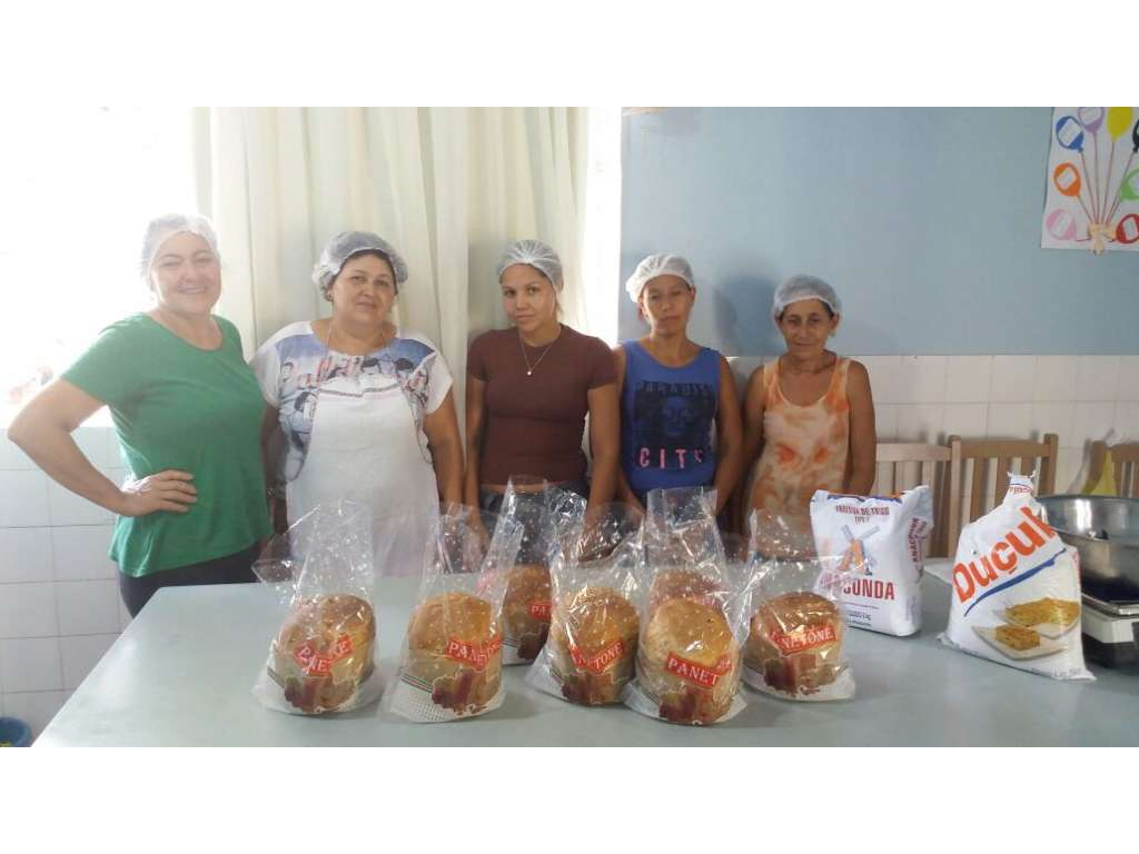 Oficina temática de natal no CRAS promove curso de panetone - Galeria de Imagens