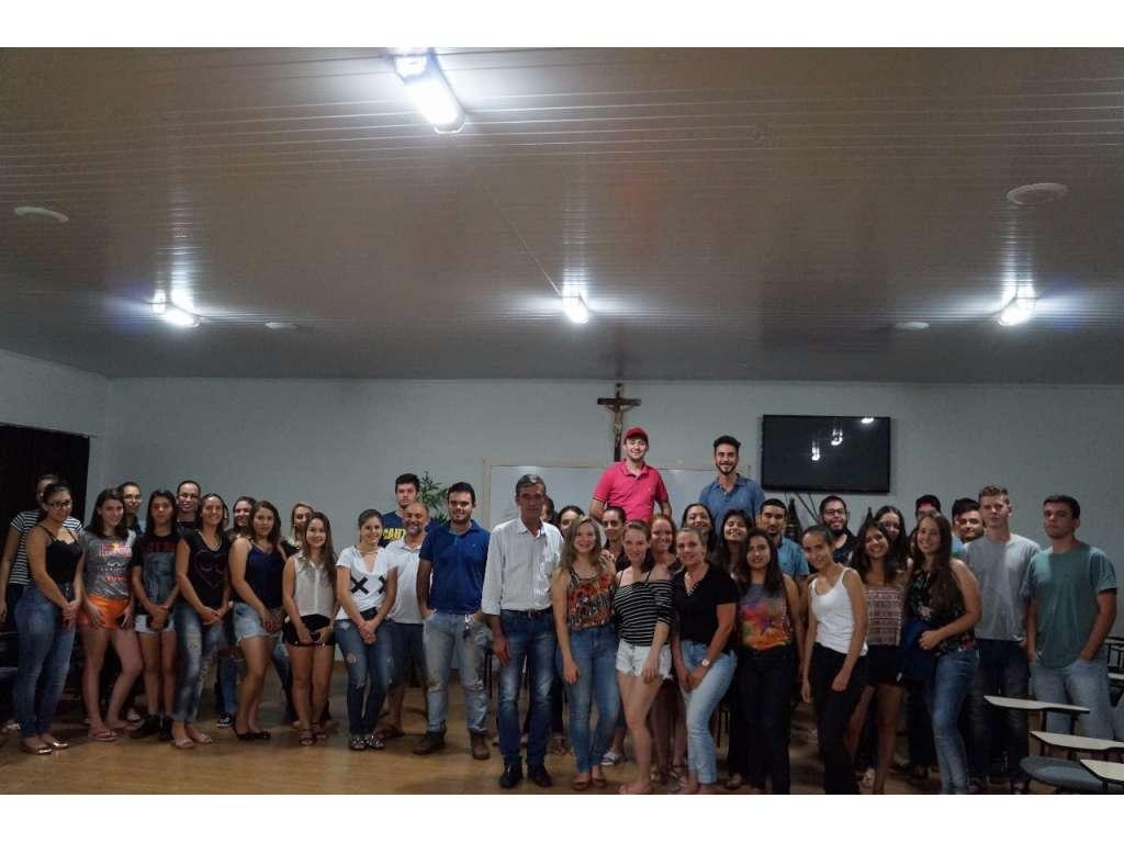 Prefeito anuncia compra de ônibus para o transporte dos acadêmicos de Nova Cantu - Galeria de Imagens