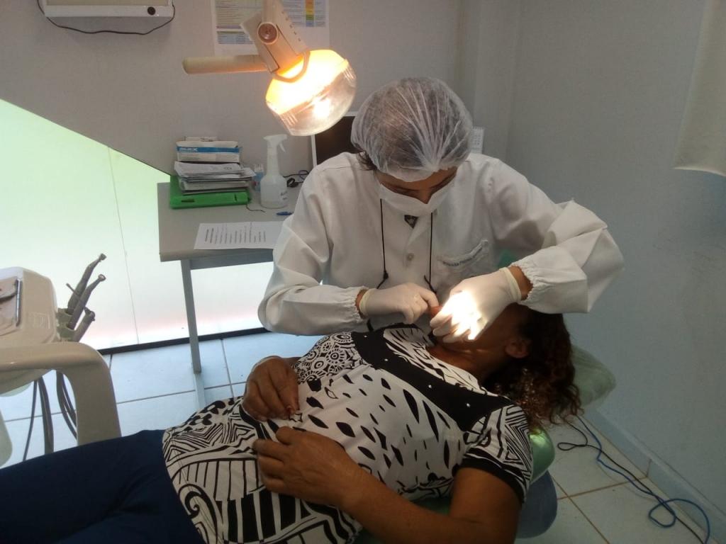 Projeto de Saúde Bucal Atende com Próteses Dentárias Pessoas em Situação de Vulnerabilidade Social - Galeria de Imagens