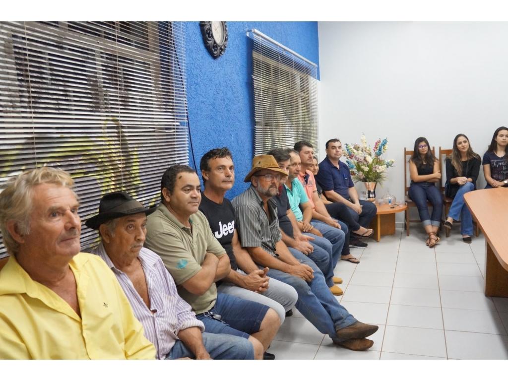 Deputado Federal Zeca Dirceu Entrega Emenda de R$ 100 Mil Para Saúde de Nova Cantu - Galeria de Imagens
