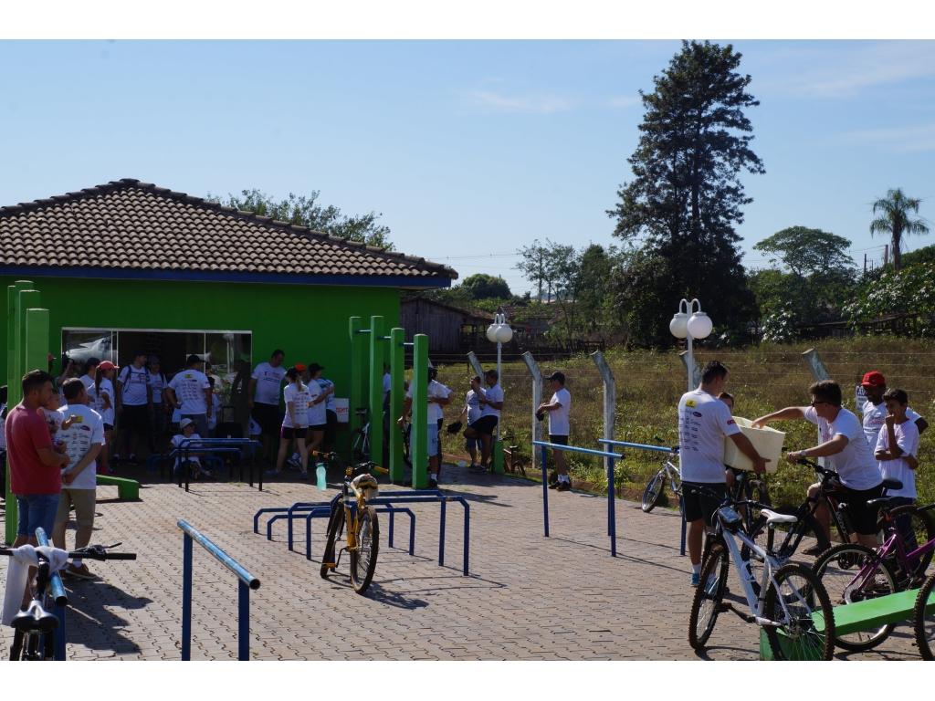 65 Ciclistas Participaram do 1º Passeio Ciclístico de Nova Cantu - Galeria de Imagens