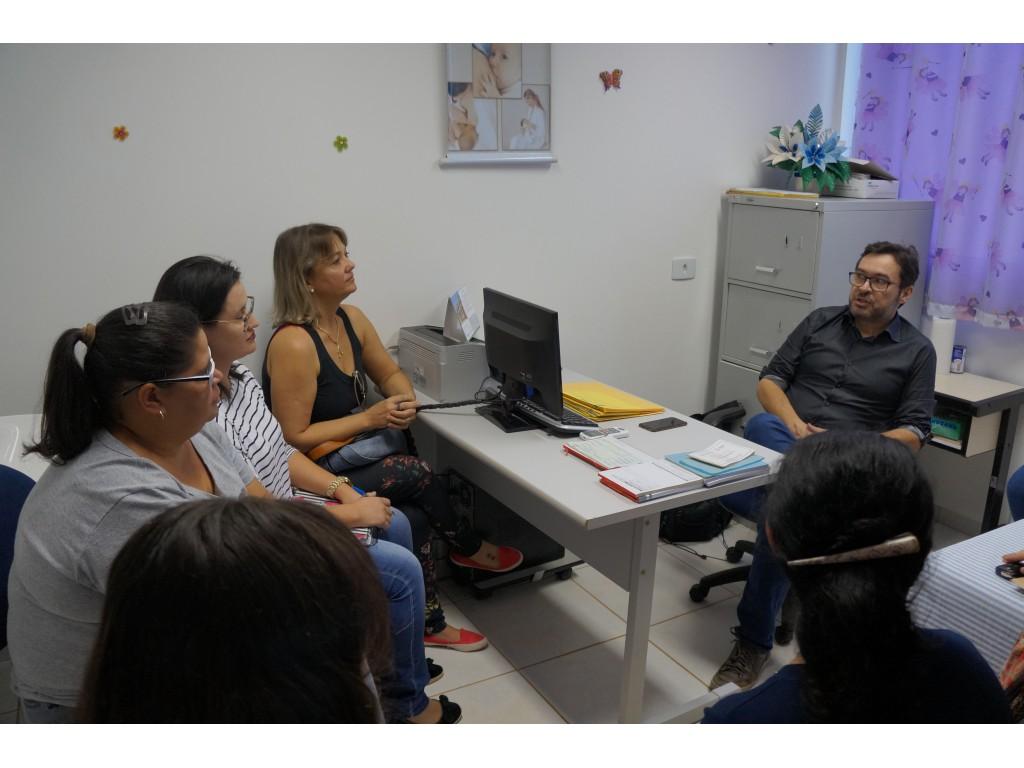 Médico Pediatra Iniciou Atendimento na Clínica da Mulher - Galeria de Imagens