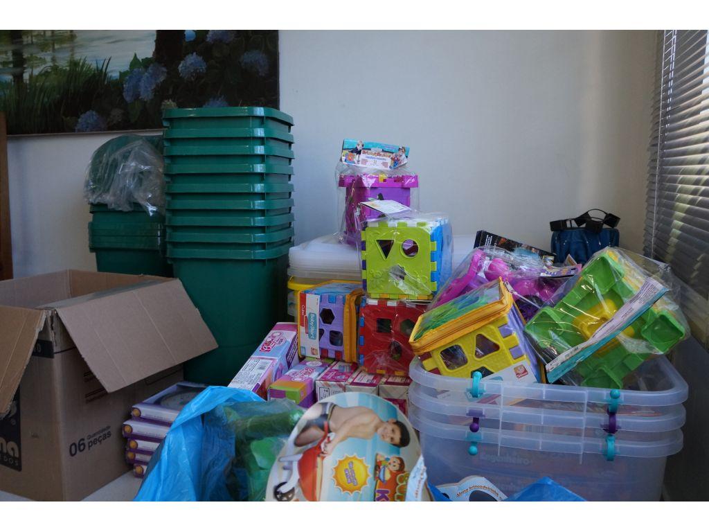Creches e Pré-Escola Recebem 400 Brinquedos, Tatames e Colchões - Galeria de Imagens