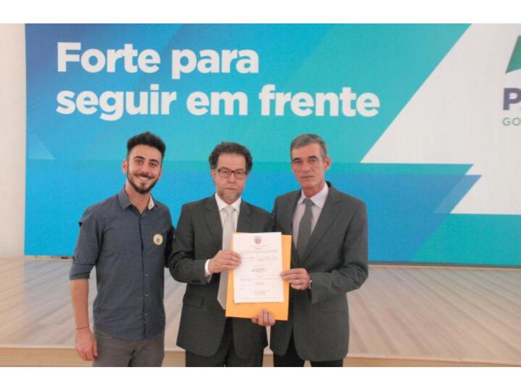 Prefeito assina autorização para perfuração de dois poços artesianos nas comunidades rurais - Galeria de Imagens
