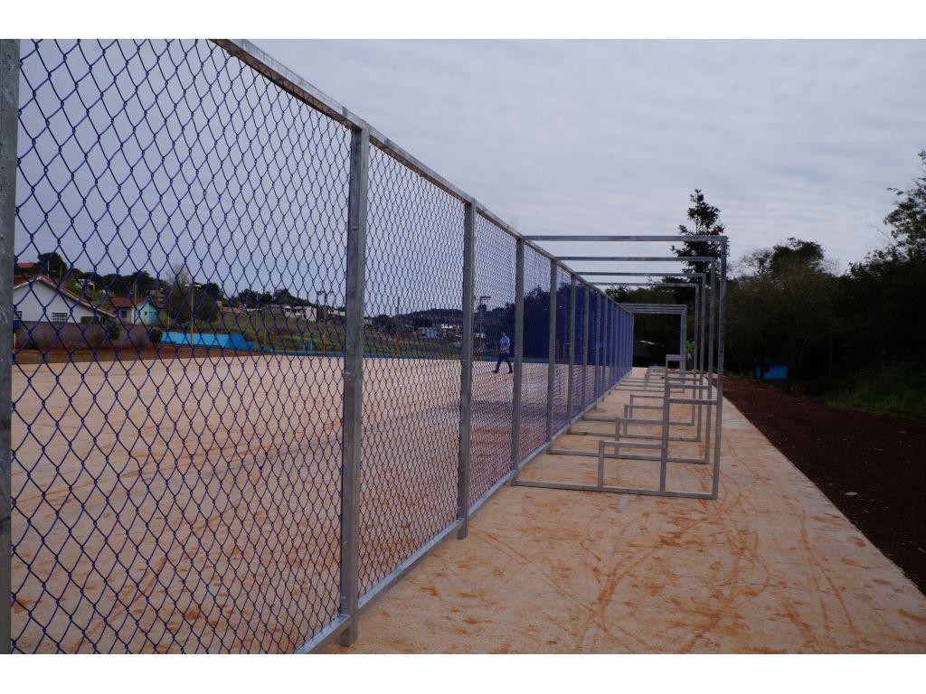 Iniciada a montagem final da arena multiuso esportiva de Nova Cantu - Galeria de Imagens
