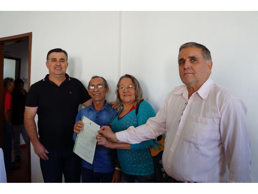Mais 17 Famílias do Assentamento Santo Rei Receberam a Titularização de Suas Propriedades - Galeria de Imagens