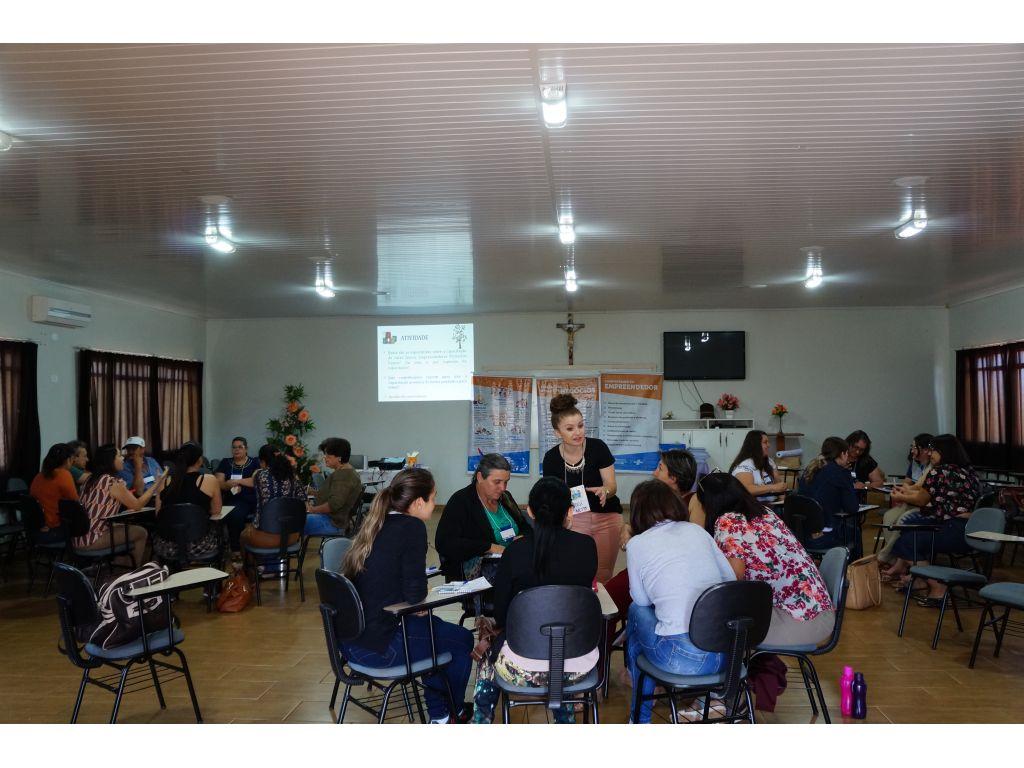 Professores da Rede Municipal de Ensino Recebem Capacitação do Programa Educação Empreendedora do Sebrae - Galeria de Imagens