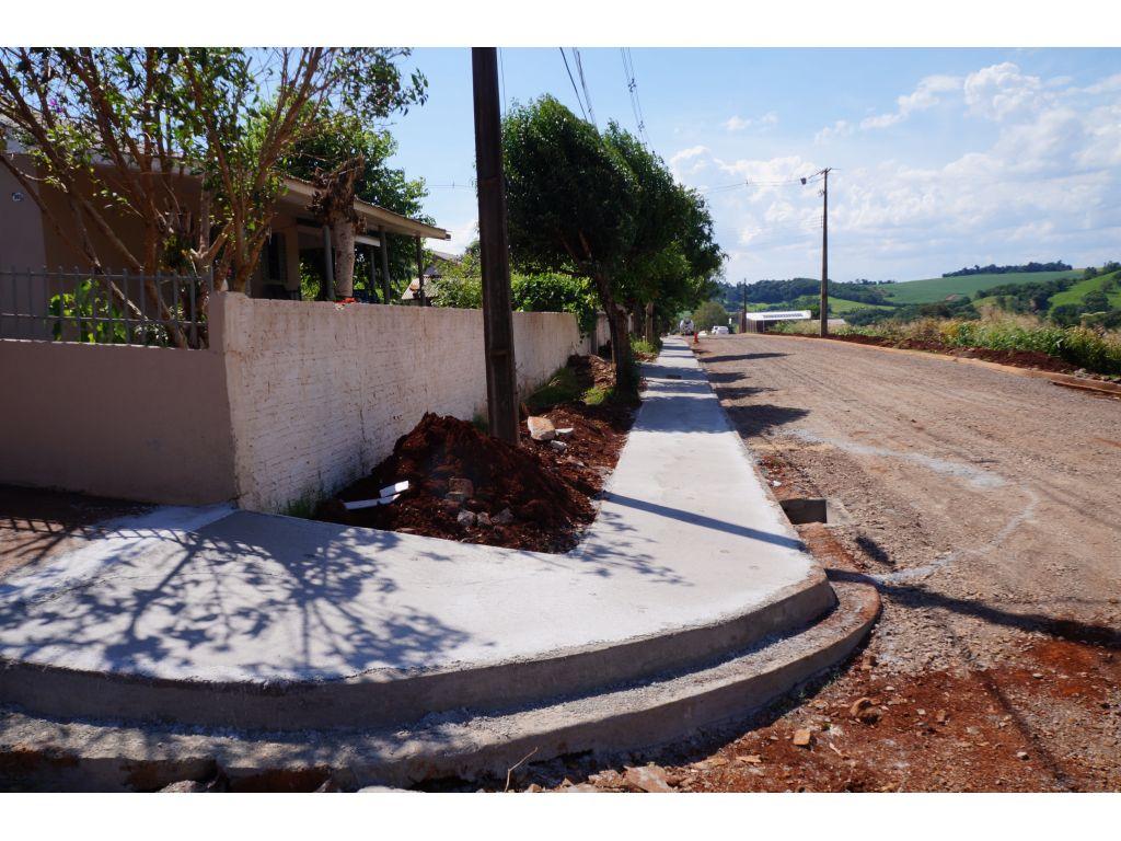 Rua Santa Catarina Recebe Calçadas - Galeria de Imagens