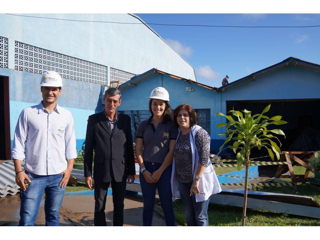Iniciada a Troca do Telhado da Escola Municipal Castro Alves - Galeria de Imagens