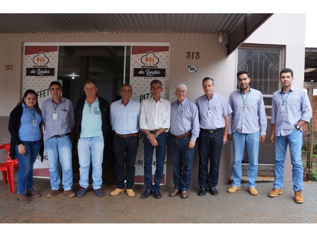Prefeito Reuniu-se Com Diretoria da Coagru Para Tratar da Resolução dos Problemas Com Películas de Milho - Galeria de Imagens