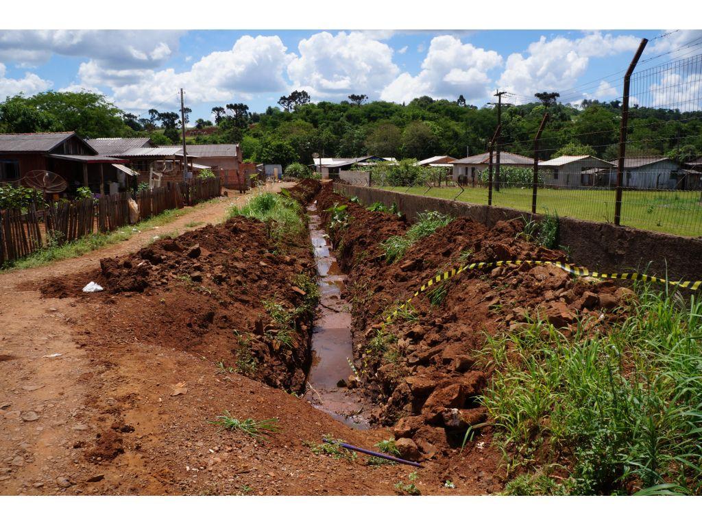 Calçamento com Pedras Irregulares Chega à Metade das Ruas da Vila Rica - Galeria de Imagens