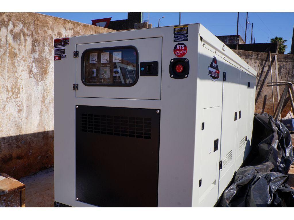 Gerador de Energia Está Sendo Instalado no Hospital Municipal - Galeria de Imagens