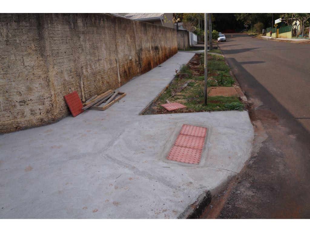 Calçadas das Ruas Próximas à Creche Estão em Fase de Conclusão - Galeria de Imagens