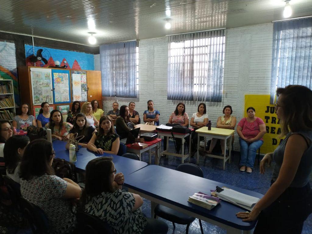 Diálogo Com Professores Sobre a Campanha da Não Violência Contra Mulher - Galeria de Imagens