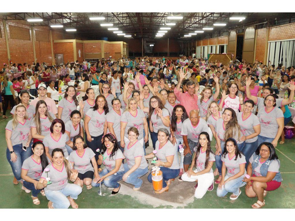 #OutubroRosa Mais de 800 Mulheres Participaram do Chá Rosa - Galeria de Imagens