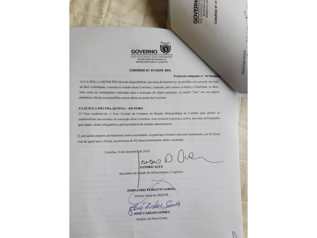 Prefeito Assina Convênio Para Asfalto de Santo Rei e Vila Rural de Nova Cantu - Galeria de Imagens