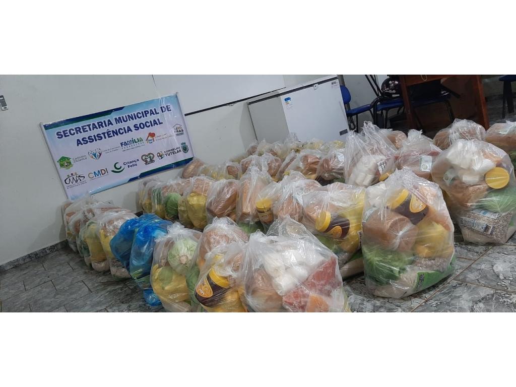 Famílias Que Sofrem Reflexo da Pandemia Covid-19, Recebem Auxílio Alimentação na Secretaria municipal de Assistência Social de Nova Cantu - Galeria de Imagens